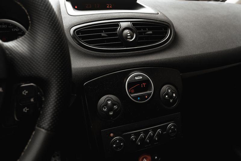 2006 Renault Clio 2.0 RS 81124