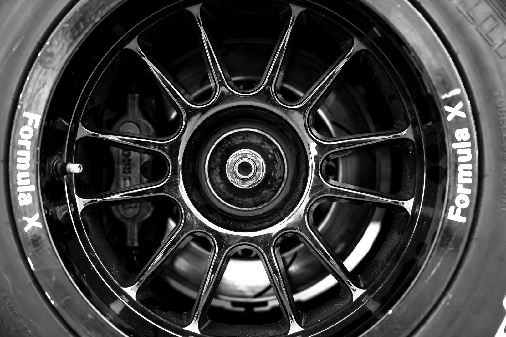 2004 Van Diemen Formula X RF04 CFX 68857