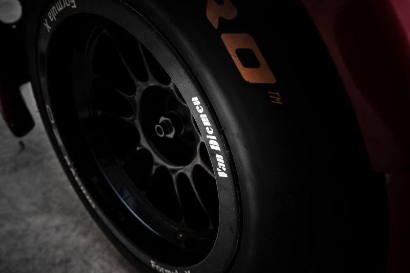 2004 Van Diemen Formula X RF04 CFX 68860
