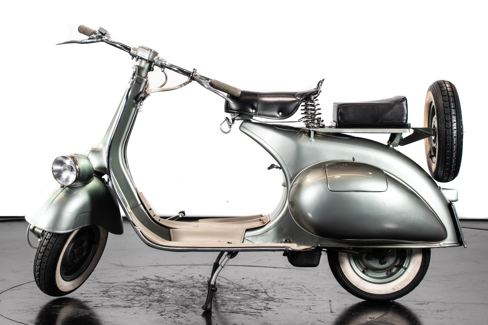 1953 Piaggio Vespa 125 Faro Basso 83435