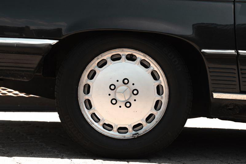 1989 Mercedes-Benz SL 300  67456