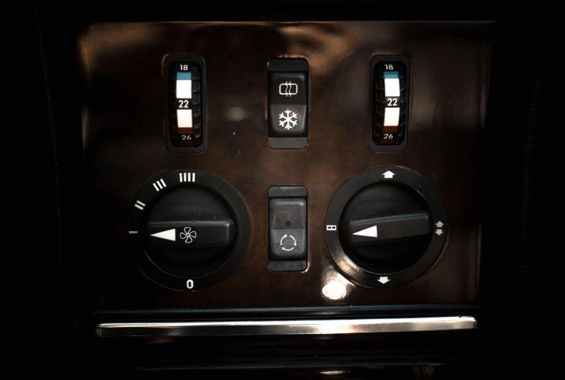 1989 Mercedes-Benz SL 300  67473