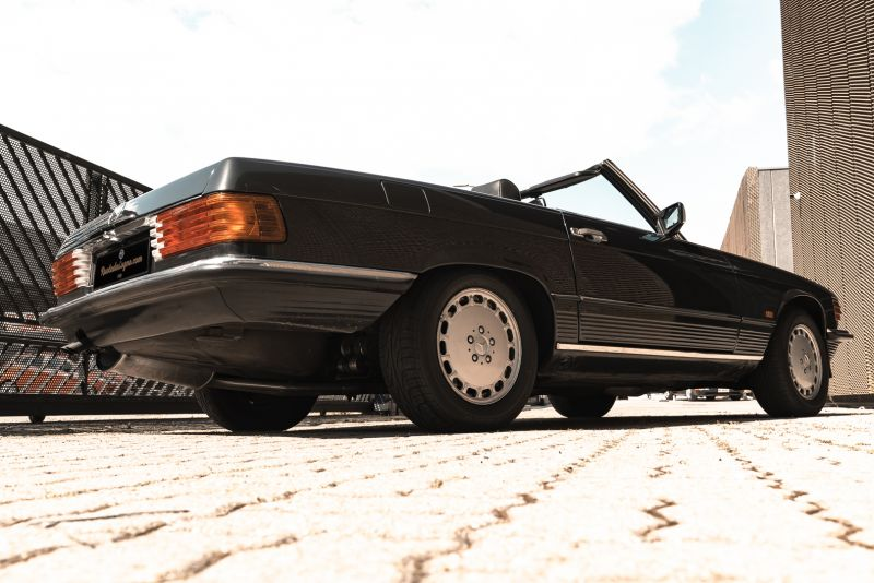 1989 Mercedes-Benz SL 300  67455